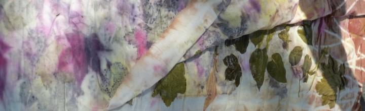 Eco printen op stof en papier, door Myriam, medewerker textiel
