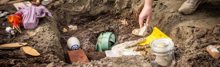 Het leggen van de grondsteen, symbool voor een mooie toekomst – door Lukas