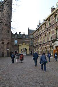 Titurel Cultuurklas bezoekt Binnenhof_02R