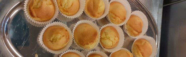 Heerlijk smullen van gebakjes: high tea op Soltane